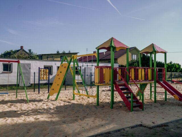 Nowy plac zabaw w Kozarzewie