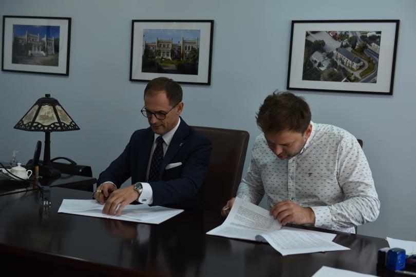 Umowa na fotowoltaikę podpisana