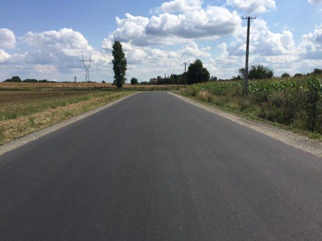 Przebudowano drogę w Wierzchach