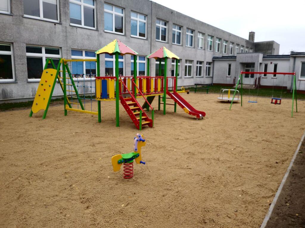 Plac zabaw w Dobrosołowie